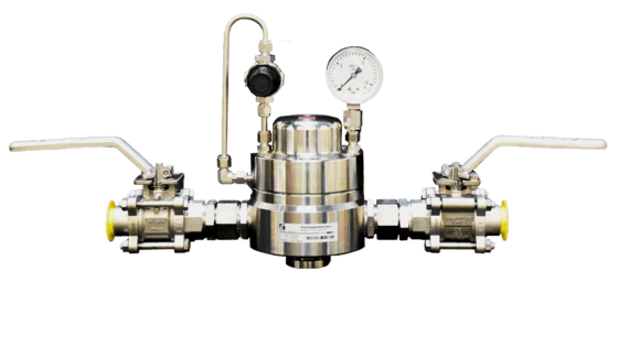 Stainless steel dome loaded pressure controller with pilot controller, outlet pressure gauge and shut off valves