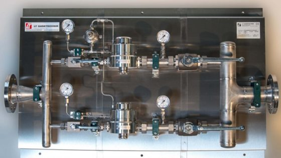 Pressure control panel in stainless steel