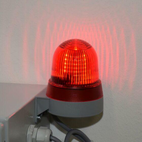 Dauerlicht Rot für die Warnung bei unzulässigen Zuständen
